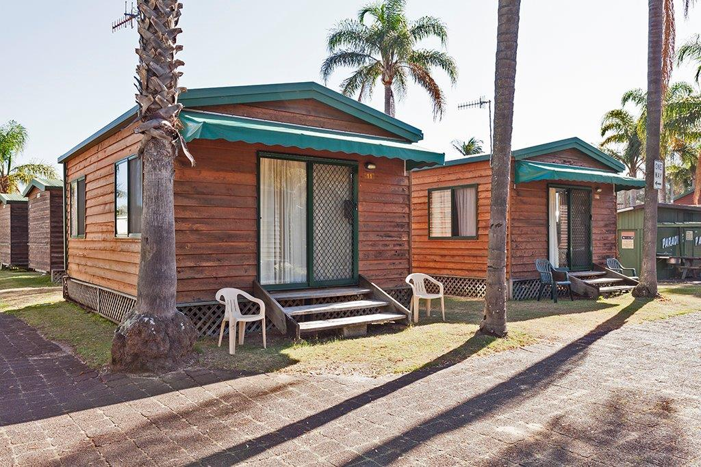 Long-Jetty-Accommodation-Spa-Cabin1